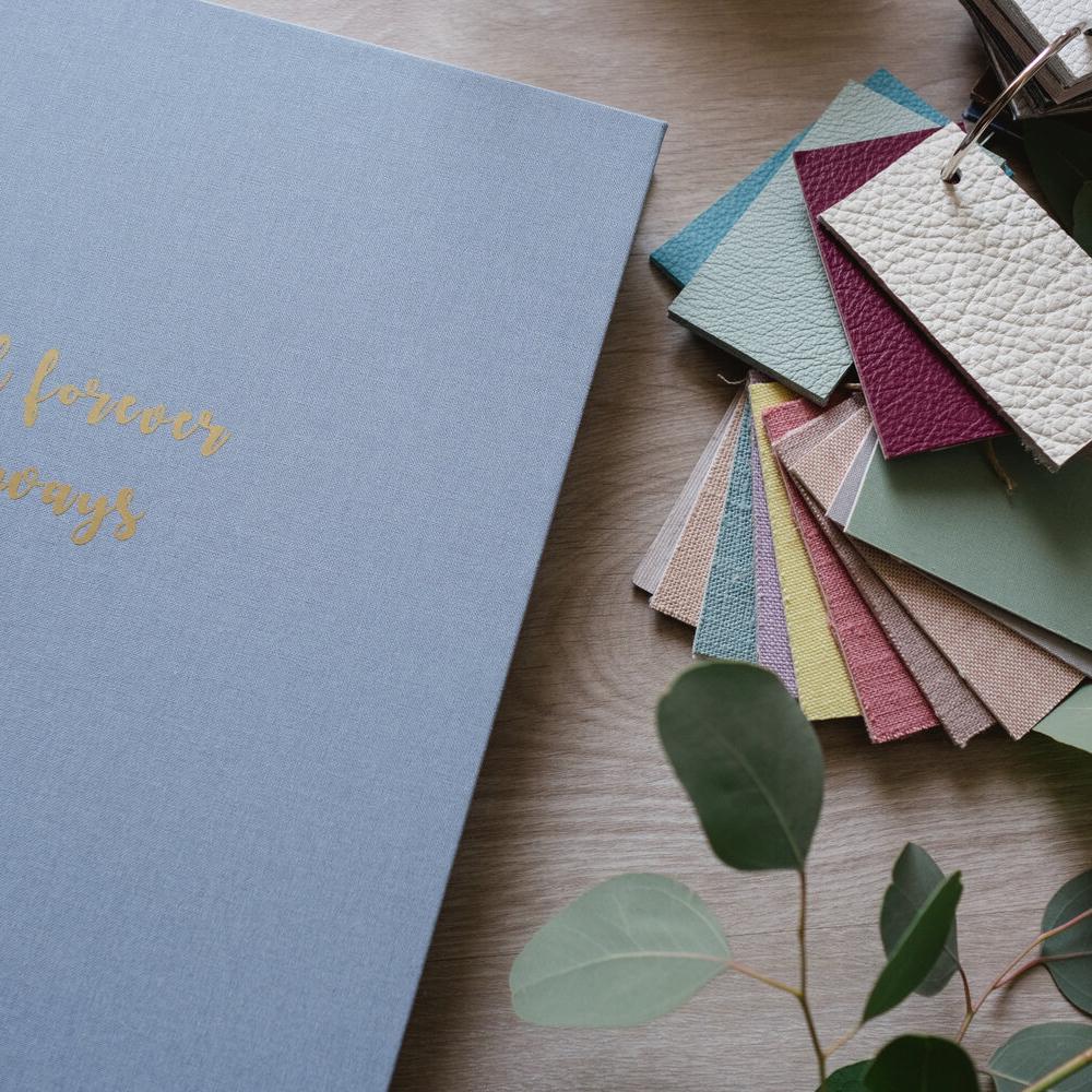 Artbook_LUX_linen_Blue-13Giovanna_Aprili-carre
